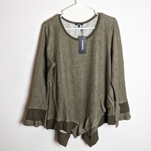 Annabelle green bell sleeve sweater size large NWT